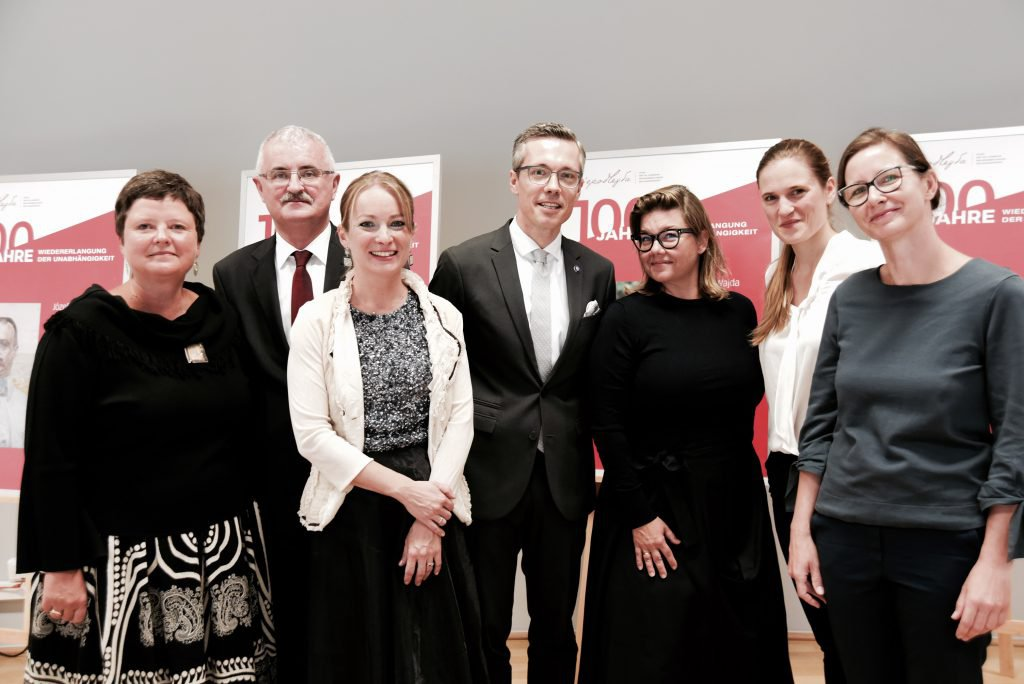 v.l.n.r. Dolmetscherin Dybas Rehling Sobczak Hollein Zembrzuska Szmigiel-Turlej