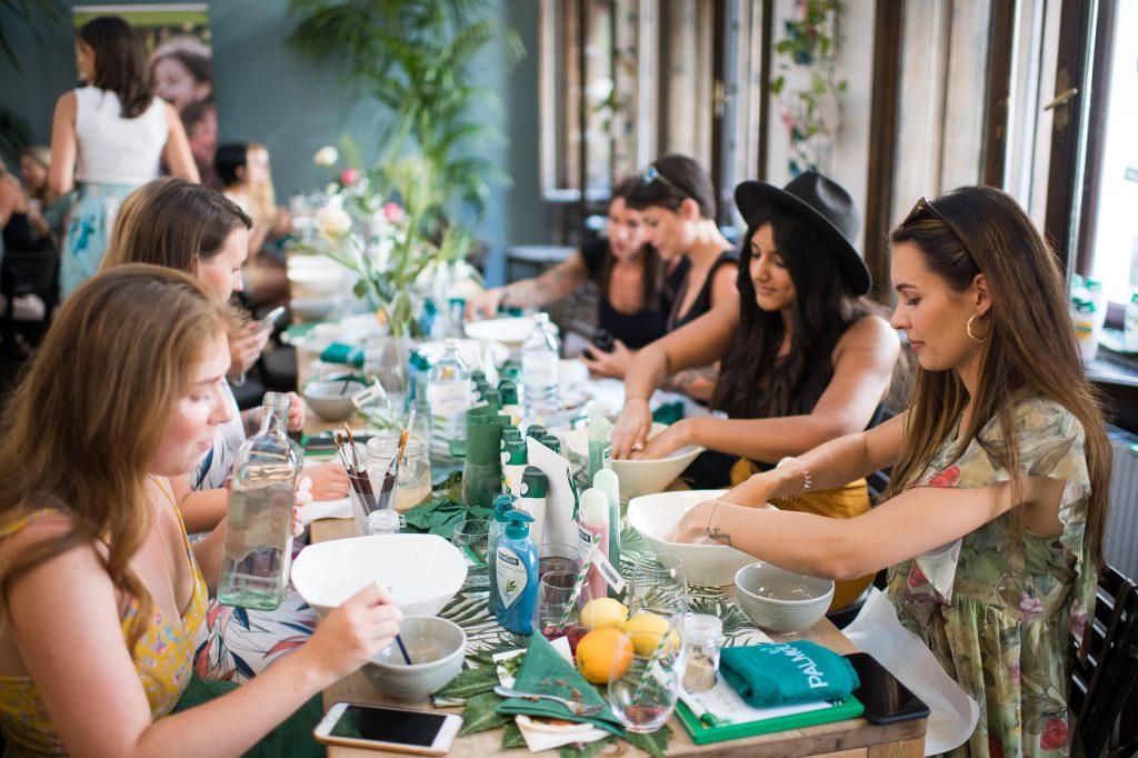 Palmolive Natural Experience Tonerde Handmasken Workshop