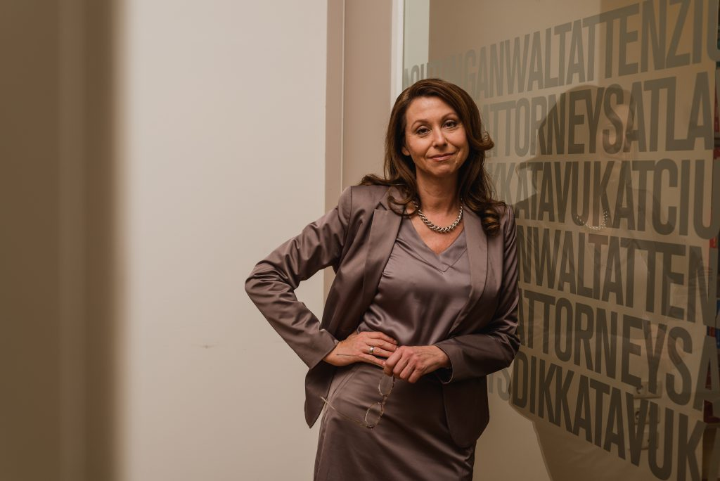 Dr. Elisabeth Kukovetz AveXis Country Manager Austria (c) belle&sass